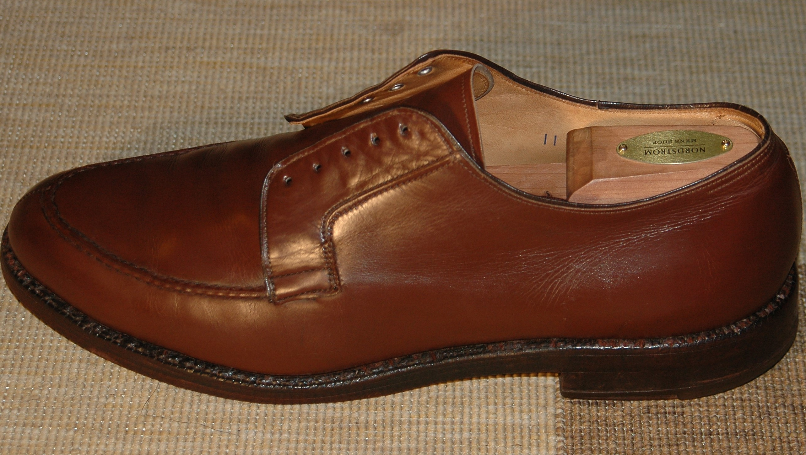 Remove shoe polish