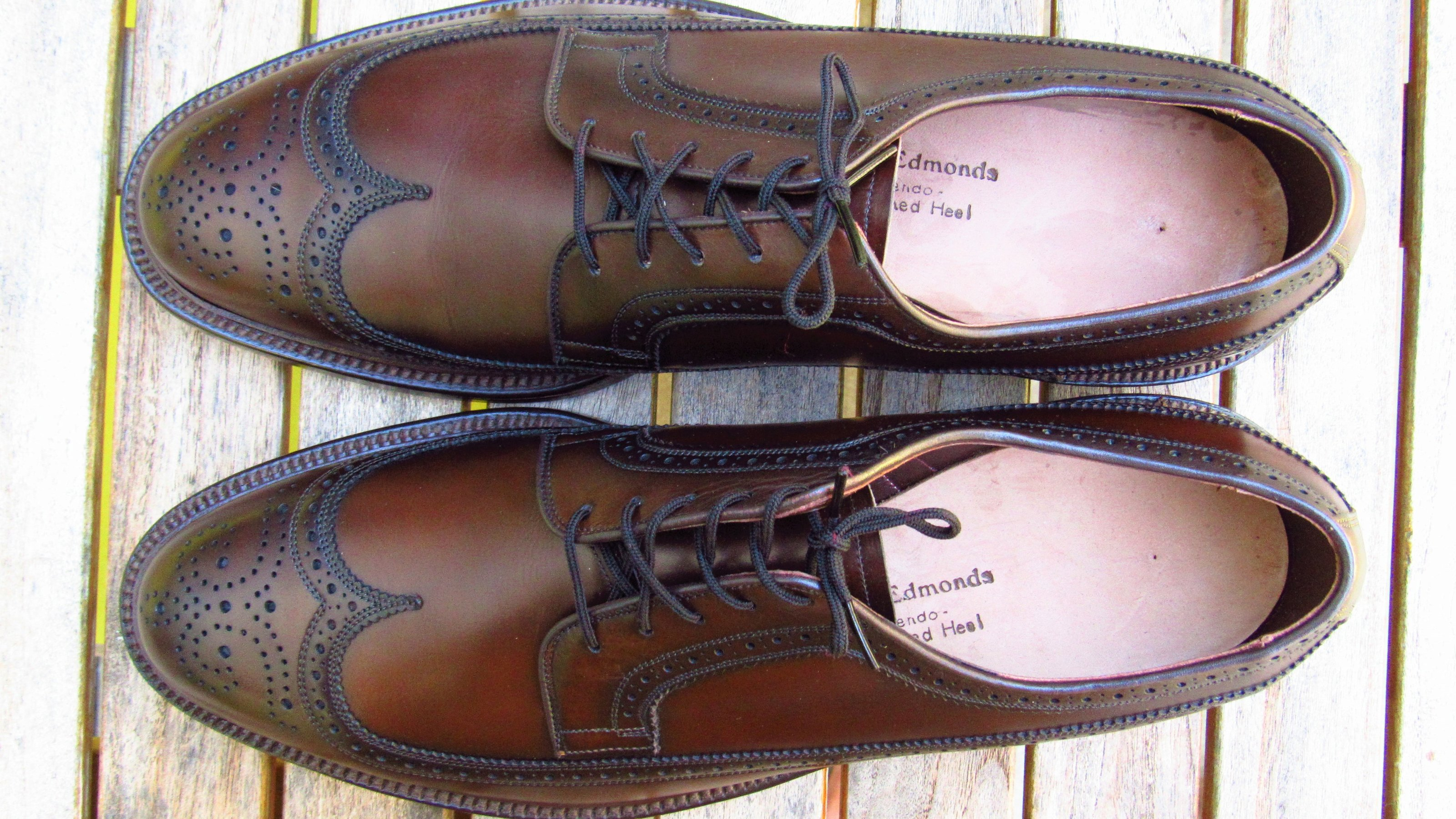 Allen Edmonds MacNeil long wing