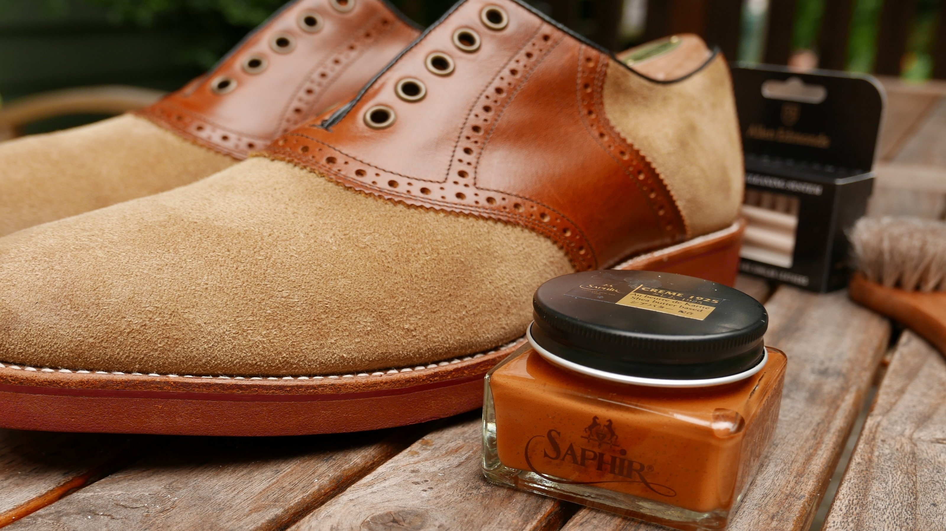 Saphir shoe cream